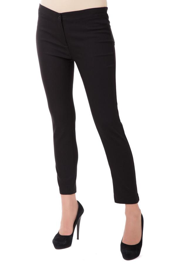 Брюки Sai-KuБрюки<br>Женские брюки Sai-Ku элегантного черного цвета. Изделие состоит из луоселла, нейлона и эластана. Модель предназначена для демисезона. Черный цвет стройнит, придавая изящества женским ногам и открывая элегантные щиколотки. У модели нет карманов, она дополнена лишь пуговицей, на которую застегивается.<br><br>Размер RU: 46<br>Пол: Женский<br>Возраст: Взрослый<br>Материал: эластан 3%, нейлон 21%, луоселл 76%<br>Цвет: Чёрный