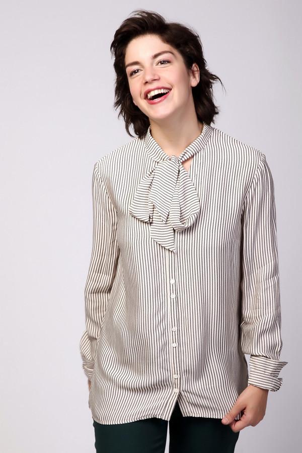 Блузa OuiБлузы<br>Стильная женская блуза Oui в черно-белую полоску. Это изделие состоит полностью из вискозы. Эта модель предназначена для осени или весны. Блуза свободного кроя. Украшена объемным бантом на вороте и манжетами на рукавах. Можно носить на выпуск и в заправленном виде. Не требует дополнительных украшений на шею.<br><br>Размер RU: 48<br>Пол: Женский<br>Возраст: Взрослый<br>Материал: вискоза 100%<br>Цвет: Чёрный