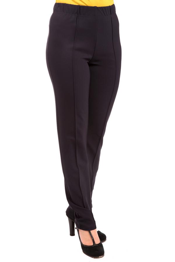 Брюки Frank WalderБрюки<br>Необычные женские брюки Frank Walder шоколадного цвета. Выполнены из вискозы, эластана и полиэстера. Предназначены для демисезонной носки. Вертикальные декоративные швы дополняют штанины спереди и сзади. Модель будет одинаково хорошо смотреться на женщинах с различной комплекцией. Подойдет для будней и праздников.<br><br>Размер RU: 52<br>Пол: Женский<br>Возраст: Взрослый<br>Материал: вискоза 70%, эластан 5%, полиамид 25%<br>Цвет: Синий