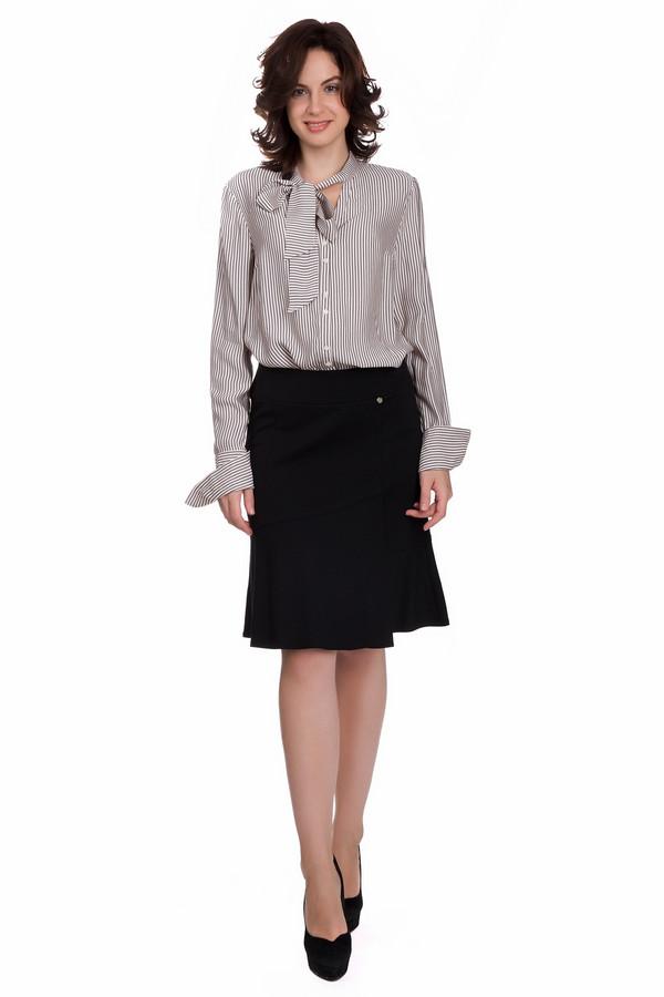 Юбка Gerry WeberЮбки<br>Классическая женская юбка Gerry Weber черного цвета. Это изделие состоит из полиамида, вискозы и эластана. Данную модель можно носить круглый год. Юбка расширяется к низу. По длине немного выше колена. Внизу дополнена маленькими складочками. Лучше всего сочетается со строгими рубашками и женственными блузами.<br><br>Размер RU: 42<br>Пол: Женский<br>Возраст: Взрослый<br>Материал: полиамид 35%, эластан 4%, вискоза 61%<br>Цвет: Чёрный