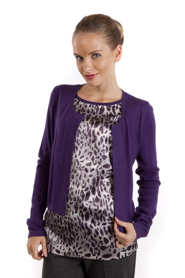 Пуловер PezzoПуловеры<br>Модный фиолетовый пуловер Pezzo прямого кроя. Изделие дополнено круглым вырезом и оригинальным оформлением вшитого топа с анималистическим принтом. Женственный пуловер с лёгкостью дополнит образ как с юбками, так и с брюками.<br><br>Размер RU: 52<br>Пол: Женский<br>Возраст: Взрослый<br>Материал: хлопок 95%, кашемир 5%<br>Цвет: Фиолетовый