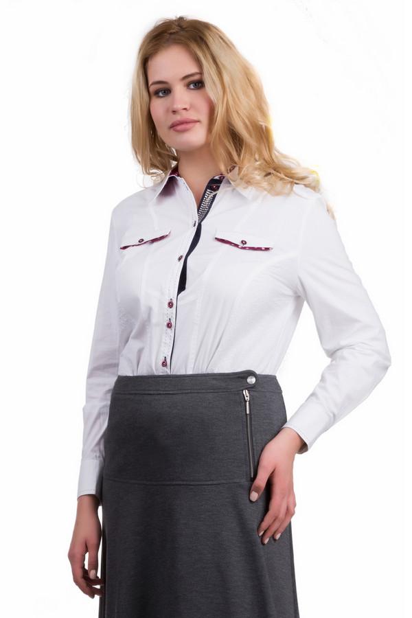 Блузa Rabe collectionБлузы<br>Строгая женская блуза Rabe collection, сочетающая белый и бордовый цвет. В состав модели входят эластан и хлопок. Удобно в ней будет в осенний и весенний сезон. Строгую блузку с отложным воротником смягчают и декорируют бордовые вставки на нагрудных кармашках, а также бордовые пуговицы, на которые застегивается модель.<br><br>Размер RU: 58<br>Пол: Женский<br>Возраст: Взрослый<br>Материал: эластан 8%, хлопок 97%<br>Цвет: Бордовый