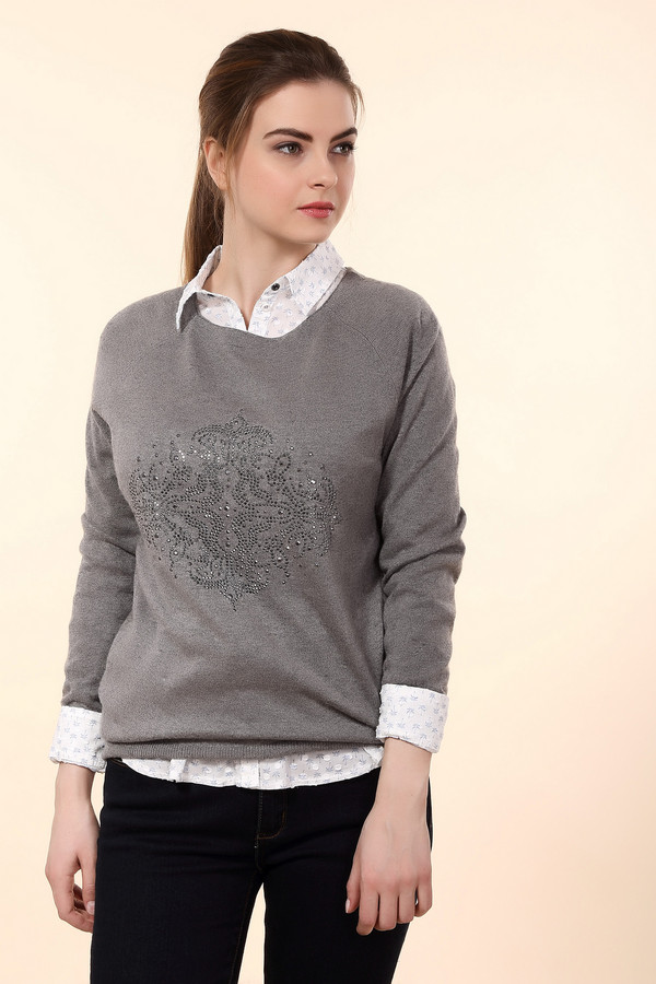 Пуловер PezzoПуловеры<br>Милый женский пуловер Pezzo серого цвета. Изделие выполнено из вискозы, полиэстера, шерсти, нейлона, ангоры. Этот пуловер будет наиболее уместен весной или осенью. Модель прямого кроя, передняя часть украшена узором из серебристых страз, геометрическим и сложным, симметричным по горизонтали и вертикали.<br><br>Размер RU: 52<br>Пол: Женский<br>Возраст: Взрослый<br>Материал: полиэстер 30%, нейлон 20%, шерсть 5%, вискоза 40%, ангора 5%<br>Цвет: Серый