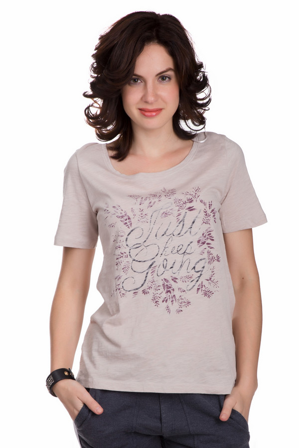 Футболка Tom TailorФутболки<br>Стильная женская футболка Tom Tailor розового цвета с серыми и фиолетовыми деталями. Изделие состоит из натурального хлопка. Данная модель предназначена для летнего сезона. Футболка свободного кроя. Дополнена крупной надписью по центру. Хорошее решение для прогулки по городу или похода на пляж.<br><br>Размер RU: 40-42<br>Пол: Женский<br>Возраст: Взрослый<br>Материал: хлопок 100%<br>Цвет: Разноцветный