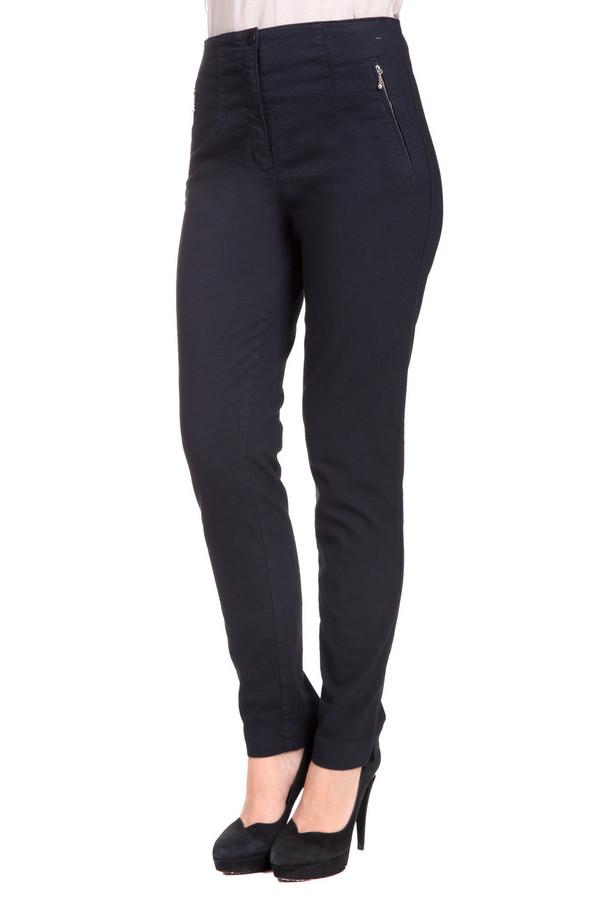 Брюки VaniliaБрюки<br>Стильные женские брюки Vanilia темного синего цвета. Это изделие состоит из хлопка, полиэстера, вискозы и эластана. Модель можно носить осенью и весной. Брюки облегают фигуру. Подчеркивают ее достоинства. Дополнены боковыми карманами с молниями. Лучше всего будет сочетаться с объемным разноцветным верхом.<br><br>Размер RU: 44<br>Пол: Женский<br>Возраст: Взрослый<br>Материал: эластан 1%, полиэстер 25%, хлопок 45%, вискоза 29%<br>Цвет: Синий