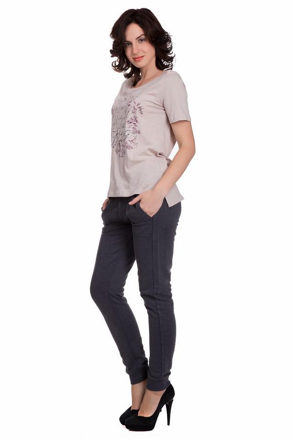 Спортивные брюки Tom TailorСпортивные брюки<br>Спортивные женские брюки Tom Tailor серого цвета. Это изделие состоит из хлопка и полиэстера. Такая модель предназначена для осени и весны. Брюки свободные и практичные. Дополнены карманами по бокам и сзади, резинкой сверху. Заужены немного снизу. Стильный вариант для тренировки на свежем воздухе.<br><br>Размер RU: 50-52<br>Пол: Женский<br>Возраст: Взрослый<br>Материал: хлопок 60%, полиэстер 40%<br>Цвет: Серый
