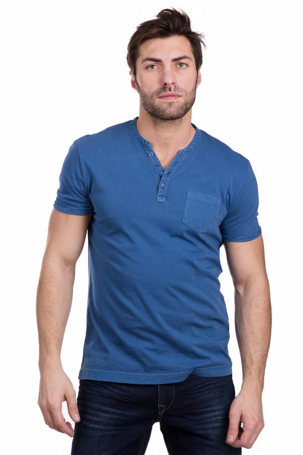 Футболкa Tom TailorФутболки<br>Мужская футболкa Tom Tailor синего цвета. Изделие полностью состоит из хлопка. Подходит для носки в летний сезон. Футболка дополнена небольшим накладным кармашком на груди, в который можно поместить носовой платок или какую-нибудь мелочь. Можно носить и с классическими брюками, и с джинсами. Уместно будет выглядеть и на офисном работнике, и на отдыхе на природе.<br><br>Размер RU: 44-46<br>Пол: Мужской<br>Возраст: Взрослый<br>Материал: хлопок 100%<br>Цвет: Синий