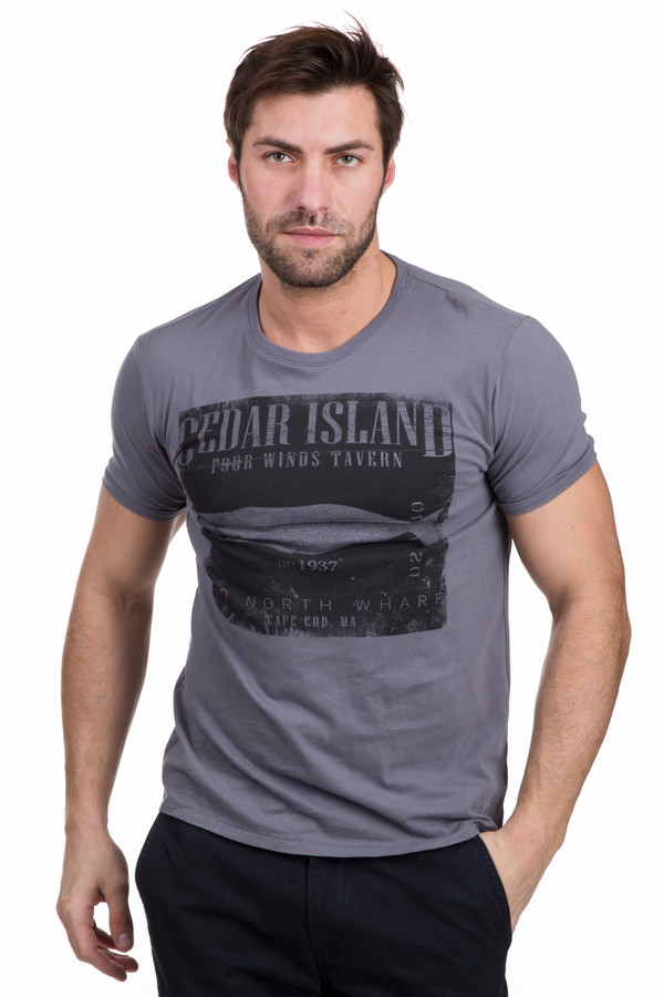 Футболкa s.OliverФутболки<br>Мужская футболка s.Oliver серого цвета с черным рисунком. Изделие полностью изготовлено из хлопка. Подходит для использования в летнее время года. Модель дополнена черным рисунком на сером фоне футболки, изображающем кита. Сочетается с джинсами любого фасона. Подойдет для людей, предпочитающих спокойные цвета в одежде.<br><br>Размер RU: 44-46<br>Пол: Мужской<br>Возраст: Взрослый<br>Материал: хлопок 100%<br>Цвет: Чёрный