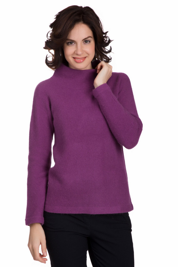 Пуловер PezzoПуловеры<br>Яркий женский пуловер от бренда Pezzo насыщенного фиолетового цвета. Это изделие состоит из шерсти, ангоры и полиамида. Данная модель рассчитана на зимнюю погоду. Пуловер свободного кроя. Подобная вещь придаст повседневному образу яркости. При этом будет согревать в холодные зимние вечера. Прекрасный вариант на каждый день.<br><br>Размер RU: 42<br>Пол: Женский<br>Возраст: Взрослый<br>Материал: шерсть 70%, полиамид 10%, ангора 20%<br>Цвет: Фиолетовый