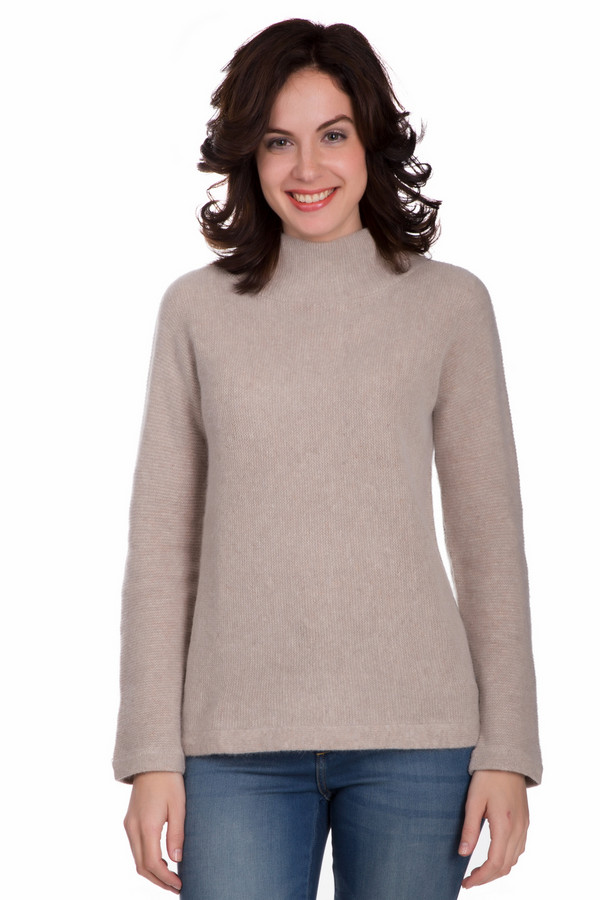Пуловер PezzoПуловеры<br>Стильный женский пуловер от бренда Pezzo бежевого цвета. Данная модель сделана из шерсти, ангоры и полиамида. Эта вещь рассчитана на зимнюю погоду. Пуловер свободного кроя. Ворот закрывает шею. Такое изделие является универсальным и практичным. Его можно сочетать с чем угодно. Это практичный вариант на каждый день.<br><br>Размер RU: 44<br>Пол: Женский<br>Возраст: Взрослый<br>Материал: шерсть 70%, полиамид 10%, ангора 20%<br>Цвет: Бежевый
