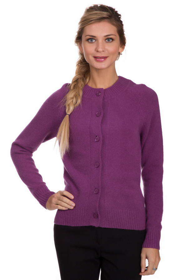Жакет PezzoЖакеты<br>Яркий женский жакет от бренда Pezzo насыщенного розового цвета. Данный образец состоит из шерсти, ангоры и полиамида. Эта вещь рассчитана на осень и весну. Жакет сидит по фигуре. Застегивается с помощью больших пуговиц в тон. Можно носить в сочетании с однотонными рубашками с закрытым воротом, водолазками или облегающими топами.<br><br>Размер RU: 46<br>Пол: Женский<br>Возраст: Взрослый<br>Материал: шерсть 70%, полиамид 10%, ангора 20%<br>Цвет: Фиолетовый
