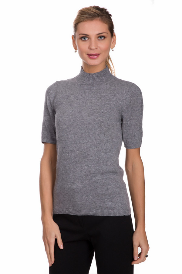 Пуловер PezzoПуловеры<br>Практичный женский пуловер от бренда Pezzo серого цвета. Этот образец состоит из вискозы, полиамида, шерсти, хлопка и кашемира. Вещь рассчитана на осенний и весенний сезоны. Данная модель облегает фигуру. Подчеркивает ее достоинства. Ворот закрывает шею. Рукава сильно укороченные. Украшены вертикальными вязанными косичками. Подойдет на каждый день.<br><br>Размер RU: 48<br>Пол: Женский<br>Возраст: Взрослый<br>Материал: вискоза 33%, полиамид 23%, шерсть 20%, хлопок 20%, кашемир 4%<br>Цвет: Серый