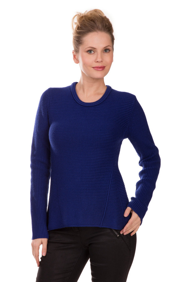 Пуловер PezzoПуловеры<br>Необычный женский пуловер Pezzo синего цвета. Изделие состоит на половину из шерсти, на половину из акрила. Рассчитан на зимнее время. Изделие с длинными рукавами, открывает шею. Дополнено треугольными вставками спереди и сзади и широким круглым воротничком. Подходит для привнесения в облик загадочности.<br><br>Размер RU: 48<br>Пол: Женский<br>Возраст: Взрослый<br>Материал: шерсть 50%, акрил 50%<br>Цвет: Синий