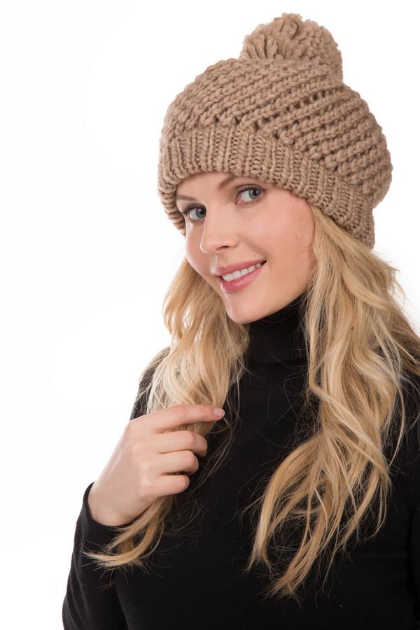 Берет SeebergerБереты<br>Вязаный женский берет Seeberger бежевого цвета. Изготовлен из соединения полиакрила и шерсти. Больше всего подходит для носки в зимний сезон. Модель выполнена машинной вязкой, верх изделия украшен помпоном из той же нитки. Отлично подойдет для любителей уютных и теплых вещей. Будет хорошо сочетаться с теплой верхней одеждой.<br><br>Размер RU: один размер<br>Пол: Женский<br>Возраст: Взрослый<br>Материал: шерсть 30%, полиакрил 70%<br>Цвет: Бежевый