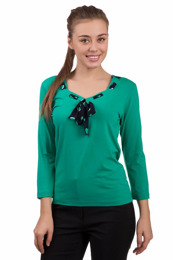 Блузa PezzoБлузы<br>Блузa Pezzo в зеленом цвете – красивая, непринужденная и игривая вещь. Такая блузка станет изюминкой вашего гардероба. Темный шарфик с узором в тон основной ткани и рукава три четверти делают эту модель просто очаровательной. Состав: вискоза и эластан. Вы можете надеть эту блузочку на выход или на работу, под брюки, джинсы, юбку любого кроя.<br><br>Размер RU: 44<br>Пол: Женский<br>Возраст: Взрослый<br>Материал: эластан 5%, вискоза 95%<br>Цвет: Чёрный