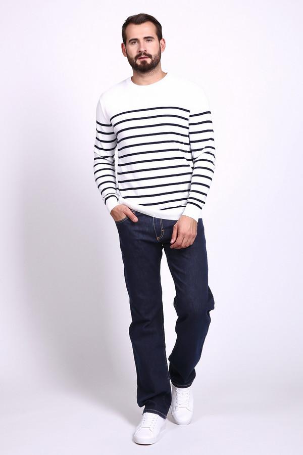 Модные джинсы Flavio NavaМодные джинсы<br>Мужские брюки Flavio Nava. Темно-синий цвет этой модели очень практичен и популярен в мужской моде. Изделие свободного кроя. Состав брюк: хлопок, полиэстер, луоселл. Их можно носить на протяжении всего года. Чудесно сочетаются с остальными вещами вашего гардероба.<br><br>Размер RU: 52(L34)<br>Пол: Мужской<br>Возраст: Взрослый<br>Материал: хлопок 65%, полиэстер 34%, луоселл 1%<br>Цвет: Синий