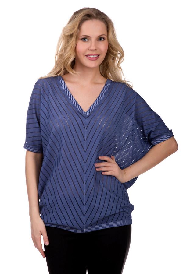 Пуловер Betty BarclayПуловеры<br>Пуловер Betty Barclay синий. Эта изысканная модель покроя «летучая мышь» будет красивым и стильным предметом одежды в вашем гардеробе. Диагональная полоска, треугольный вырез горловины, свободный крой и удлиненный силуэт - яркие черты этой модели. Пуловер выполнен из вискозы и хлопка, летом в такой одежде будет очень комфортно и удобно. Облегающие брюки чудесно оттенят свободный крой этого изделия.<br><br>Размер RU: 40-42<br>Пол: Женский<br>Возраст: Взрослый<br>Материал: вискоза 45%, хлопок 55%<br>Цвет: Синий