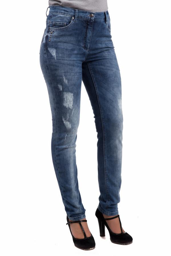 Джинсы Betty BarclayДжинсы<br>Классические зауженные книзу джинсы Betty Barclay для любых случаев жизни. Превосходно сидят на любой фигуре, подчеркивая стройность и скрывая недостатки, благодаря высокой посадке. Весенне-летний вариант. Хорошо носить как с каблуками, так и на низком ходу. Изделие дополнено декоративными потертостями, которые никогда не выйдут из моды.<br><br>Размер RU: 42<br>Пол: Женский<br>Возраст: Взрослый<br>Материал: полиэстер 8%, эластан 1%, хлопок 91%<br>Цвет: Синий