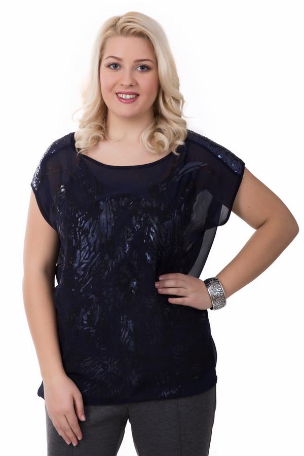 Блузa Betty BarclayБлузы<br>Свободная блуза Betty Barclay – как вечерний, так и деловой вариант. Модель рассчитана на летний сезон. Цвет - темно синий. Состоит фактически из двух блуз – одна облегает, вторая создает романтический «летящий» облик. Круглый вырез подчеркнет изящество шеи. Блуза дополнена сверкающими пайетками на рукавах. Свободный фасон и полупрозрачный, «разлетающийся» внешний слой скроют нежелательные формы. В такой блузе любая женщина почувствует себя уверенной и элегантной.<br><br>Размер RU: 52<br>Пол: Женский<br>Возраст: Взрослый<br>Материал: полиэстер 100%<br>Цвет: Синий