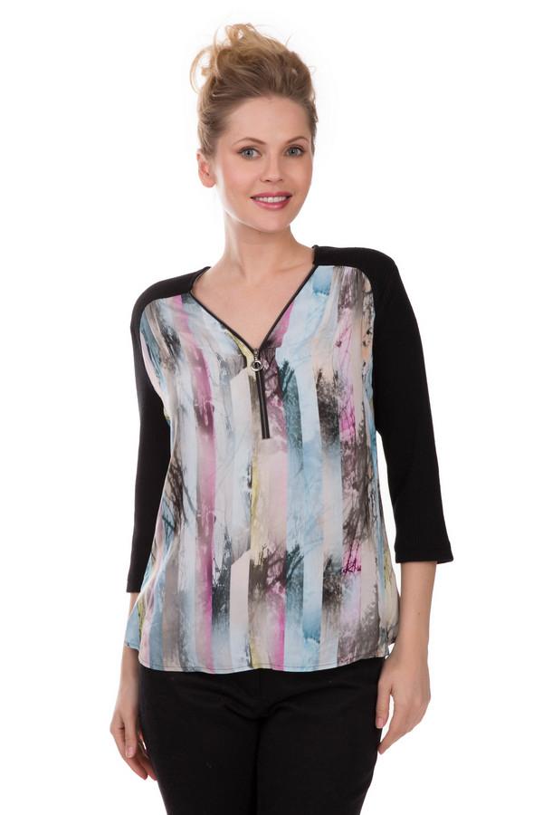 Блузa Frank WalderБлузы<br>Легкая и универсальная женская блуза Frank Walder. Основной цвет изделия – черный, но впереди его украшает освежающее сочетание цветов - серый, белый, бежевый, розовый и голубой. На 100% состоит из вискозы, что делает ее тактильно приятной. Изделие дополнено декоративным замочком на вырезе. Вырез имеет V-образную форму и призван визуально удлинить шейку. Для женщин, которые любят элегантные и необычные вещи.<br><br>Размер RU: 52<br>Пол: Женский<br>Возраст: Взрослый<br>Материал: вискоза 100%<br>Цвет: Разноцветный