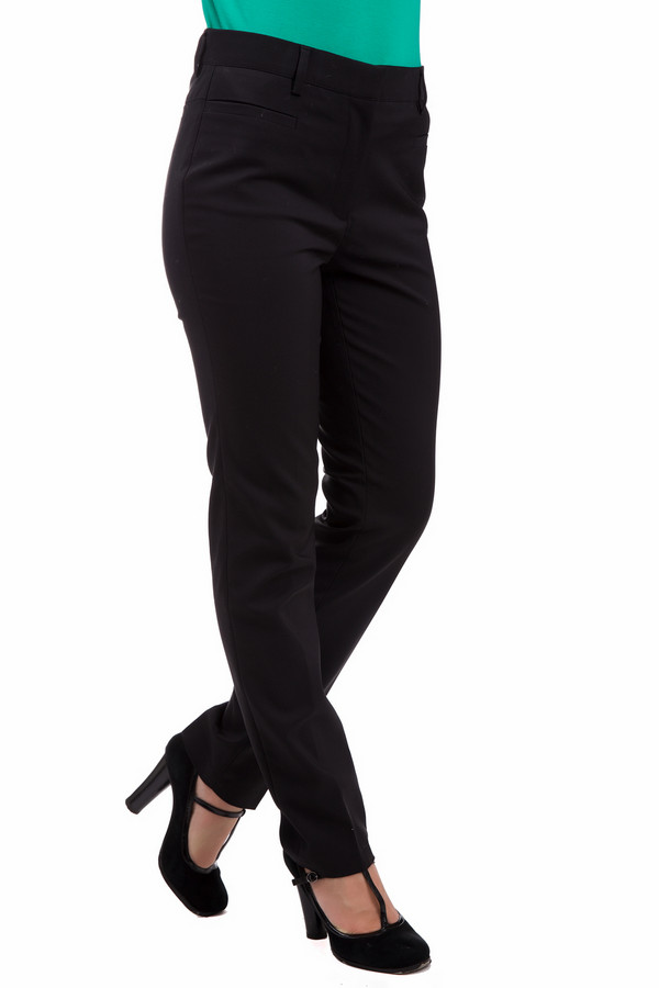 Брюки PezzoБрюки<br>Строгие черные брюки Pezzo предназначены для стильных женщин, которые любят и умеют подчеркнуть достоинства своей фигуры. В составе модели – хлопок, спандекс, нейлон. Носить такую вещь принято в демисезон. Изделие дополнено широким тканевым поясом. Брюки имеют высокую посадку, что при надобности поможет скрыть животик. Подойдет для ношения как в офисе, так и на прогулке. Придаст образу несколько строгий стиль.<br><br>Размер RU: 44<br>Пол: Женский<br>Возраст: Взрослый<br>Материал: хлопок 55%, спандекс 4%, нейлон 41%<br>Цвет: Чёрный