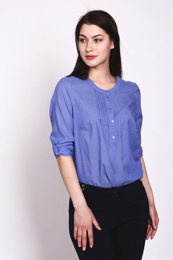 Блузa LerrosБлузы<br>Женская блуза Lerros цвета незабудки освежит и сделает светлым любой облик. Пошита из 100% вискозы. Застегивается на пуговицы. Такую блузу можно носить в любом возрасте. Изделие дополнено свободными рукавами (тоже на пуговицах) и скромным круглым вырезом. Для тех, ко ценит женственность, ясность и чистоту во всем. Это летняя вещь, но ее можно надевать в любой сезон – все зависит от того, с чем вы ее сочетаете.