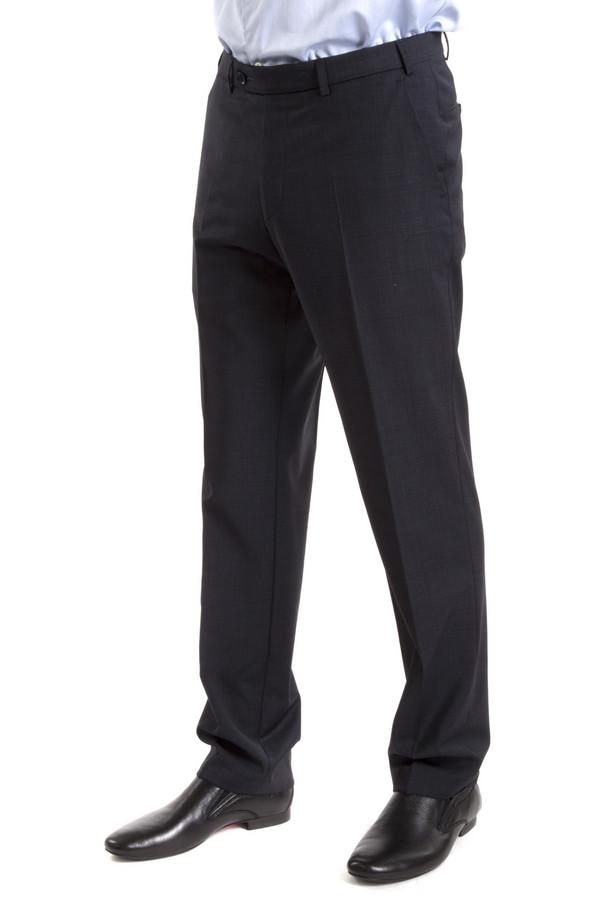 Классические брюки DigelКлассические брюки<br>Классические брюки от бренда Digel прямого кроя выполнены из плотной ткани черного цвета. Изделие дополнено: стрелками, шлевками под ремень, двумя боковыми карманами, сзади двумя прорезными карманами на пуговицах. Брюки застегиваются на молнию и фиксируются на пуговицу.<br><br>Размер RU: 46L<br>Пол: Мужской<br>Возраст: Взрослый<br>Материал: эластан 4%, полиэстер 53%, шерсть 43%<br>Цвет: Чёрный