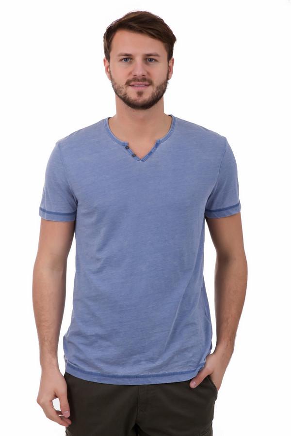 Футболкa Tom TailorФутболки<br>Футболкa Tom Tailor прекрасного синего цвета. Эта модель подкупает своим оттенком и маленькими симпатичными деталями: застежкой на горловине и декоративными наружными швами. Состав ткани: хлопок плюю полиэстер. Комбинируется футболка с джинсами брюками различного кроя.<br><br>Размер RU: 44-46<br>Пол: Мужской<br>Возраст: Взрослый<br>Материал: хлопок 60%, полиэстер 40%<br>Цвет: Голубой