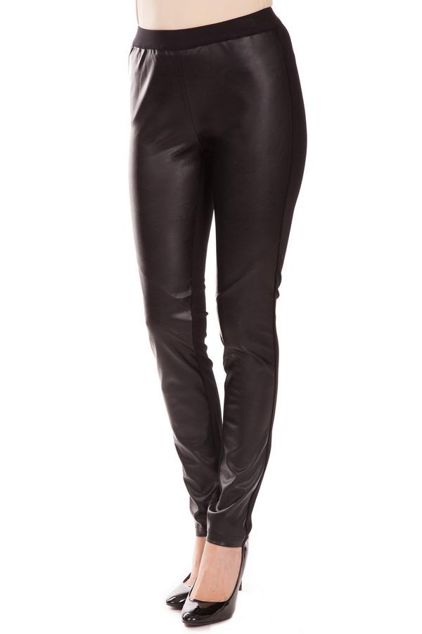Брюки OuiБрюки<br>Облегающие блестящие брюки Oui черного цвета, для стильных и уверенных в себе дам. В составе – полиэстер и полиуретан. Высокая посадка сделает ноги визуально длиннее и тоньше. При сочетании модели с каблуками, вы будете смотреться просто сногсшибательно. Подходят как для офисных будней, так и для прогулок с друзьями. Изделие дополнено поясом из ткани и мастерской прострочкой.<br><br>Размер RU: 44<br>Пол: Женский<br>Возраст: Взрослый<br>Материал: полиэстер 50%, полиуретан 50%<br>Цвет: Чёрный
