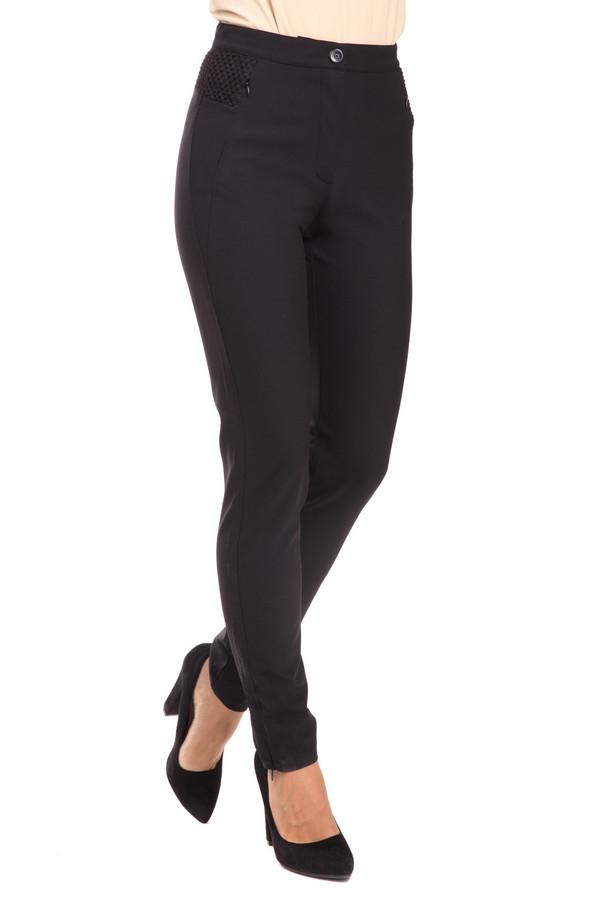Брюки Betty BarclayБрюки<br>Модные женские брюки Betty Barclay из эластана и полиамида. Сужаются книзу, что делает ноги визуально более стройными. Пригодны для ношения в любой сезон. Легко сочетаются как со строгими блузами, так и с яркими топами и футболками. Изделие дополнено застежкой – молния + пуговица. Будут уместны в гардеробе любой девушки.<br><br>Размер RU: 48<br>Пол: Женский<br>Возраст: Взрослый<br>Материал: эластан 12%, полиамид 88%<br>Цвет: Чёрный