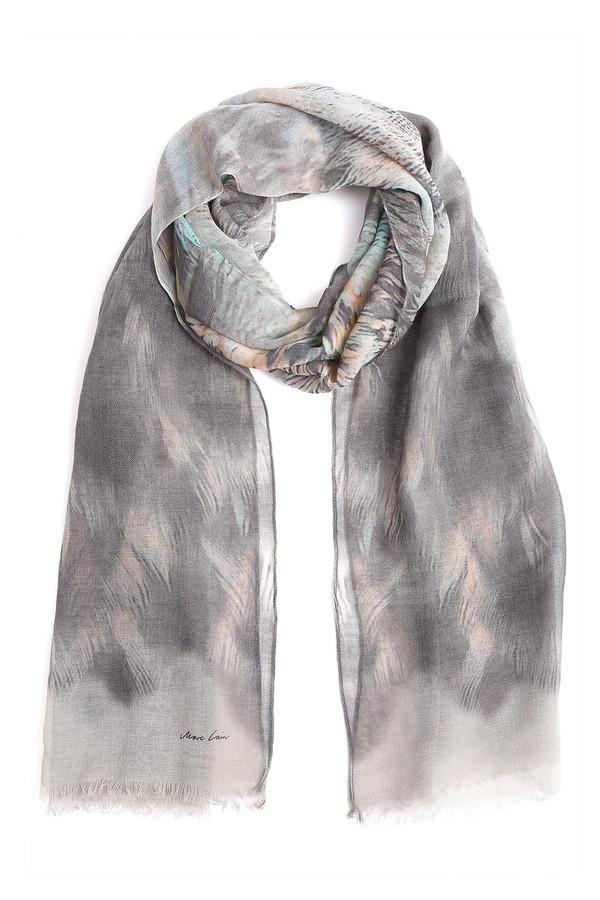 Шарф Marc CainШарфы<br>Светло-серый женский шарф Marc Cain из шерсти и кашемира. Женственный и изысканный аксессуар с массой вариантов ношения. Итальянское качество в любой сезон года, в особенности в капризное межсезонье. Изделие дополнено узором в пастельных тонах и художественной бахромой.<br><br>Размер RU: один размер<br>Пол: Женский<br>Возраст: Взрослый<br>Материал: кашемир 5%, шерсть 95%<br>Цвет: Серый