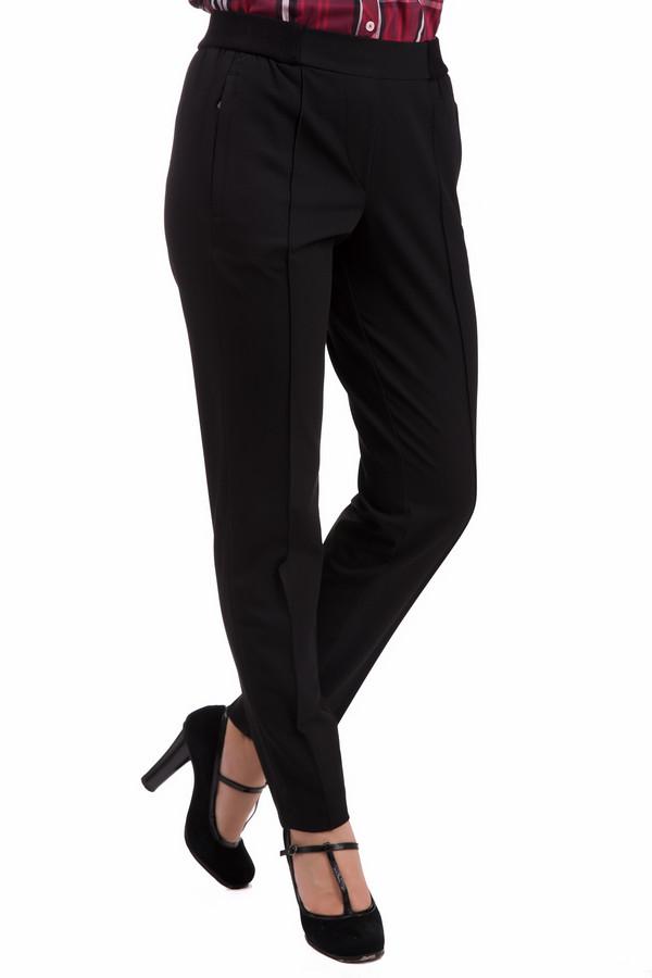 Брюки GardeurБрюки<br>Брюки Gardeur черные. Эта изящная модель со складками спереди – отличное решение для множества ситуаций. В них можно пойти на деловую встречу, а также на прогулку. Модель очень удобна: имеет резинки по бокам, карманы спереди и сзади. Эти брюки великолепно выглядят с туфлями на каблуках. Сочетать их можно с самыми разными вещами по вашему усмотрению.<br><br>Размер RU: 50<br>Пол: Женский<br>Возраст: Взрослый<br>Материал: эластан 4%, полиэстер 67%, вискоза 29%<br>Цвет: Чёрный