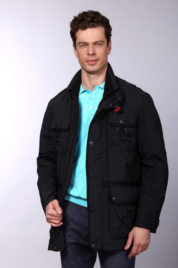 Куртка CalamarКуртки<br>Куртка Calamar мужская. Практичная и удобная модель, снабженная большим количеством карманов. Куртка красиво отделана полосами другой ткани. Застежка на молнию продублирована кнопками, что делает модель очень удобной в носке. Это демисезонная куртка, которую можно сочетать как с современными джинсами, так и с более сдержанными и строгими брюками. Состав ткани: полиэстер, полиакрил, подкладка – также полиэстер.<br><br>Размер RU: 52<br>Пол: Мужской<br>Возраст: Взрослый<br>Материал: полиэстер 93%, полиакрил 7%, Состав_подкладка полиэстер 100%<br>Цвет: Синий