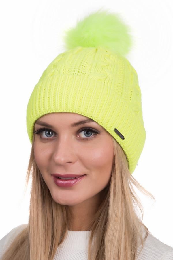 Шапка WegenerШапки<br>Яркая женская шапка Wegener желтого цвета. В состав изделия входит полиакрил и шерсть. Зимой она согреет в зимний мороз и станет яркой деталью общего образа. Вязаный узор - широкая резинка и широко расставленные узенькие косы. На макушке - пушистый помпон из крашеной шерсти. Сбоку нашита металлическая бирочка.<br><br>Размер RU: один размер<br>Пол: Женский<br>Возраст: Взрослый<br>Материал: шерсть 30%, полиакрил 70%<br>Цвет: Жёлтый