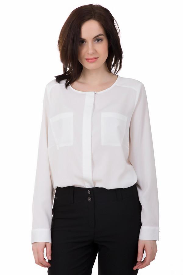 Блузa Via AppiaБлузы<br>Элегантная женская блузa Via Appia белого цвета. Выполнена из чистого полиэстера. Весной или осенью такая блуза будет наиболее уместной. Модель пошита из полупрозрачной ткани, длиною до бедер, прямого кроя, с длинными рукавами. Манжеты неширокие, застегиваются на две пуговицы. Спереди на груди - два накладных кармана.<br><br>Размер RU: 48<br>Пол: Женский<br>Возраст: Взрослый<br>Материал: полиэстер 100%<br>Цвет: Белый