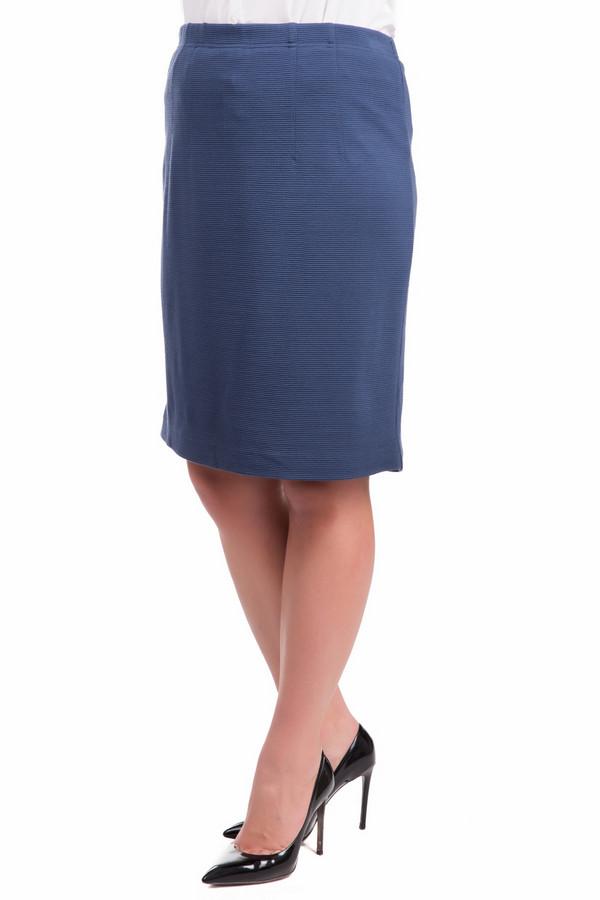 Юбка Frank WalderЮбки<br>Аккуратная женская юбка Frank Walder синего цвета. В состав изделия входит эластан, полиамид, полиэстер и полиакрил. В такой юбке лучше всего ходит весной или осенью: она будет наиболее соответствовать погодным условиям. Прямой покрой, длина до колена, без каких-либо изысков. Держится на резинке.<br><br>Размер RU: 50<br>Пол: Женский<br>Возраст: Взрослый<br>Материал: эластан 1%, полиамид 2%, полиэстер 18%, полиакрил 79%<br>Цвет: Синий