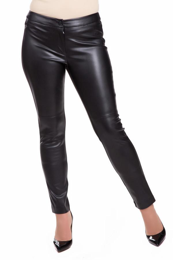 Брюки LebekБрюки<br>Брюки Lebek черные. Одежда из кожи или под кожу – это всегда воплощение стиля и сексуальности. В таких брюках вы всегда будете в центре внимания, а ваши ножки выгодно смотрятся в такой одежде вдвойне выигрышно. Передняя часть под кожу замечательно контрастирует с матовой задней из ткани. Такие брюки хороши в разное время года и при любой погоде. В них можно пойти в кино, на вечеринку, на прогулку, на свидание – куда угодно.<br><br>Размер RU: 44<br>Пол: Женский<br>Возраст: Взрослый<br>Материал: None<br>Цвет: Чёрный