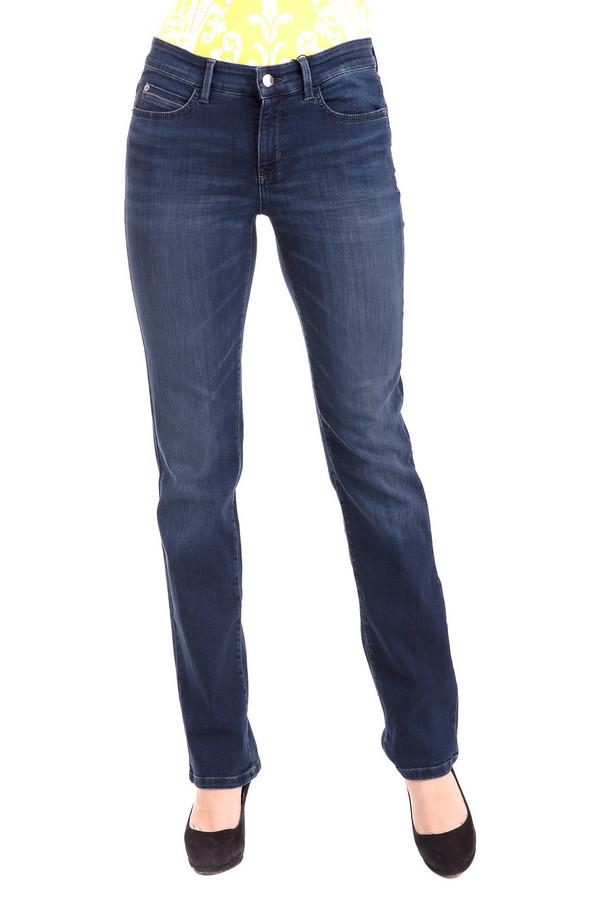 Джинсы CambioДжинсы<br>Джинсы Cambio синие - идеальный повседневный вариант. Благодаря классическому стилю и строгому крою, они выгодно подчеркнут любую фигуру. Джинсы удобные и стильные, подойдут для всех сезонов и мероприятий. Выполнены из хлопка, полиамида и эластана. Универсальный элемент одежды, который обязательно должен присутствовать в женском гардеробе.<br><br>Размер RU: 50<br>Пол: Женский<br>Возраст: Взрослый<br>Материал: эластан 2%, полиамид 24%, хлопок 74%<br>Цвет: Синий