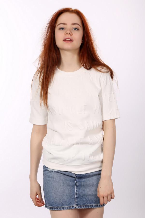Пуловер s.Oliver DENIMПуловеры<br>Пуловер s.Oliver DENIM женский. Белое изделие из полиэстера и эластана – фаворит нашей коллекции. Вещь универсальна и практична. Вы сможете сочетать его с разным низом: юбками, брюками, шортами. Носить такой пуловер можно летом или в прохладную погоду весной и осенью. Отличный выбор для женщин, ценящих простоту и шик. Модель с коротким рукавом снабжена надписью белым по белому.<br><br>Размер RU: 38-40<br>Пол: Женский<br>Возраст: Взрослый<br>Материал: эластан 10%, полиэстер 90%<br>Цвет: Белый