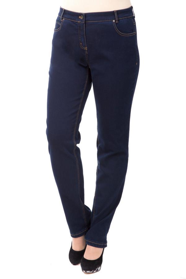 Джинсы SteilmannДжинсы<br>Стильные хлопковые джинсы по фигуре Steilmann. Модель классического темно-синего цвета – базовая в гардеробе каждой девушки. Облегающий фасон подчеркивает изгибы фигуры, выгодно обозначая достоинства. Удлиненный, слегка зауженный внизу покрой, придает силуэту тонкую грациозность. Посадка средняя, с мягким удобным поясом.<br><br>Размер RU: 44<br>Пол: Женский<br>Возраст: Взрослый<br>Материал: эластан 3%, полиэстер 31%, хлопок 66%<br>Цвет: Синий