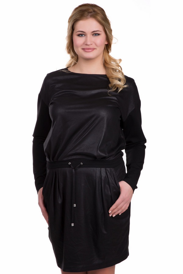 Платье TuzziПлатья<br>Демисезонное платье Tuzzi черного цвета с длинными рукавами. Оригинальный покрой скрывает недостатки фигуры и подчеркивает достоинства. Платье выполнено из полиэстера, очень простое в уходе. Вшитый пояс делает акцент на талии. Легкий блеск ткани добавляет наряду шарма и изысканности.<br><br>Размер RU: 46<br>Пол: Женский<br>Возраст: Взрослый<br>Материал: полиэстер 100%<br>Цвет: Чёрный