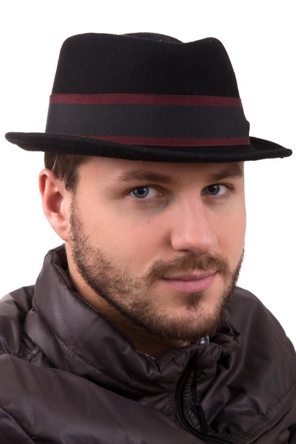 Головные уборы GottmannГоловные уборы<br>Головной убор Gottmann. Шляпа с неширокими полями из 100%-ной черной шерсти – отличное решение для стильных, смелых и элегантных мужчин. В ней вы будете на высоте весной и осенью. Носить такую шляпу можно с куртками и пальто. Интересная деталь: шляпа декорирована по всему периметру серо-бордовой полосой, придающей ей еще более яркий вид.<br><br>Размер RU: 61<br>Пол: Мужской<br>Возраст: Взрослый<br>Материал: шерсть 100%<br>Цвет: Чёрный
