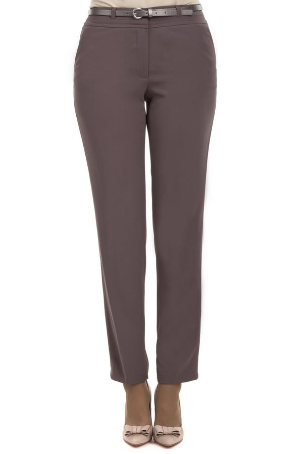 Брюки Gerry WeberБрюки<br>Строгие брюки кофейно-коричневого цвета длиной по щиколотку. Благодаря тому, что материал этих брюк на 100% состоит из полиэстера брюки не мнутся, и в то же время отлично садятся по вашей фигуре, поэтому очень удобны. В комплекте идет тонкий черный пояс с серебристой пряжкой. Такие брюки это must-have в гардеробе любой женщины, вне зависимости от возраста и профессии.<br><br>Размер RU: 54<br>Пол: Женский<br>Возраст: Взрослый<br>Материал: полиэстер 100%<br>Цвет: Коричневый