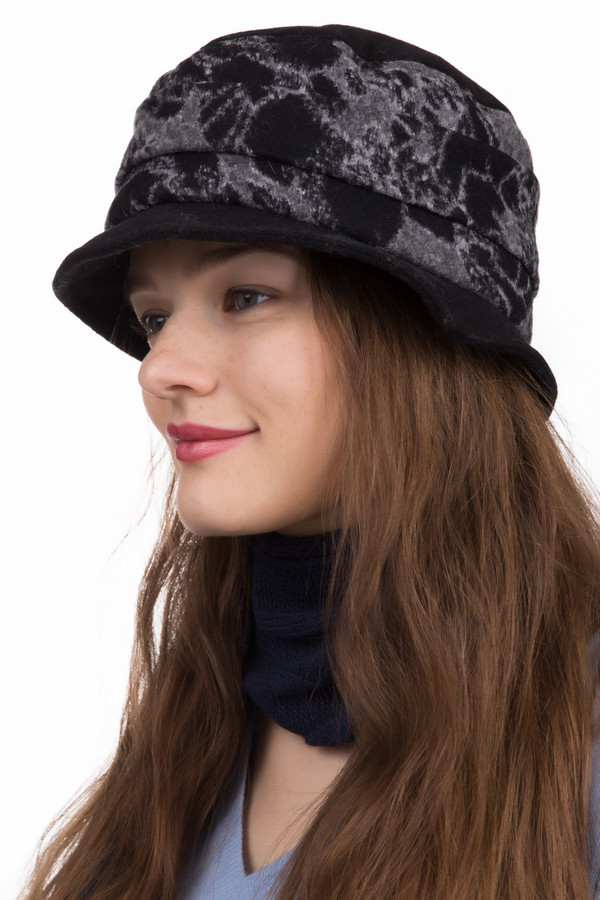 Шляпа WegenerШляпы<br>Шляпа Wegener черно-серая. Стильная модель с неширокими полями – для поклонниц классики и элегантного шика. Пятнистый рисунок изделия и однотонные поля – отличное сочетание, которое подчеркивает на контрасте достоинства друг друга. Состав: полиэстер плюс шерсть. Отличный выбор для женщин, которые хотят выглядеть изящно, нов то же время строго. Демисезонное изделие.<br><br>Размер RU: 59<br>Пол: Женский<br>Возраст: Взрослый<br>Материал: полиэстер 23%, шерсть 77%<br>Цвет: Серый