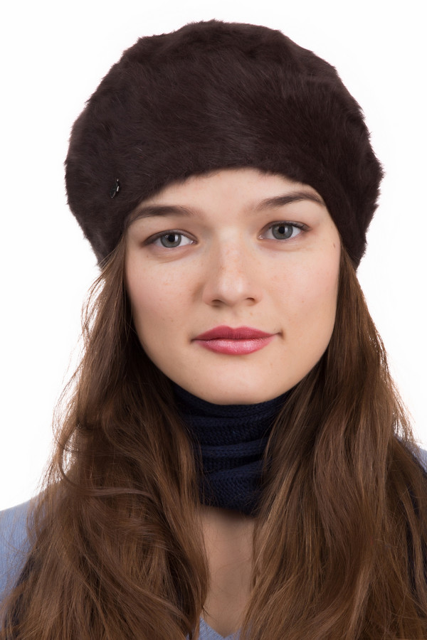 Берет SeebergerБереты<br>Берет Seeberger коричневый. Отличная и стильная модель для женщин, которые хотят быть в тренде. Мягкая меховая фактура этого изделия – идеальный выбор на зиму. С таким аксессуаром ни холод, ни ветер вам не страшны. Состав: эластан, шерсть, полиамид. Великолепно смотрится с пальто и полупальто, а также дубленками и шубками.<br><br>Размер RU: один размер<br>Пол: Женский<br>Возраст: Взрослый<br>Материал: эластан 2%, шерсть 80%, полиамид 18%<br>Цвет: Коричневый