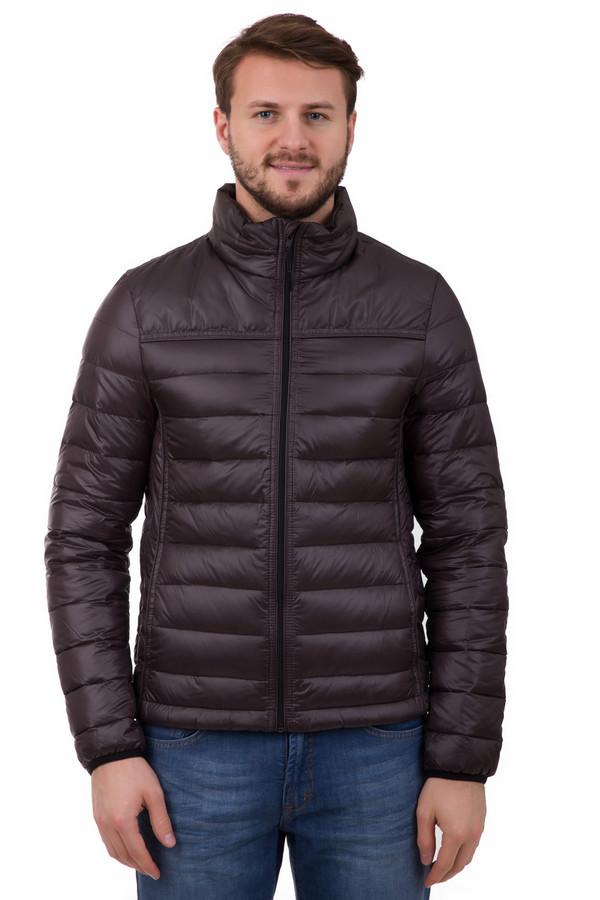Куртка Tom TailorКуртки<br>Куртка Tom Tailor коричневая. Эта стильная стеганая куртка – маст-хэв для настоящего мужчины. Красивая и практичная, он придется по душе ценителям как спортивного, так и нейтрального стиля. Очень комфортная демисезонная вещь. Состав: 100%-ный полиамид. Безупречное изделие, которое будет радовать вас долгие годы.<br><br>Размер RU: 46-48<br>Пол: Мужской<br>Возраст: Взрослый<br>Материал: полиамид 100%<br>Цвет: Коричневый