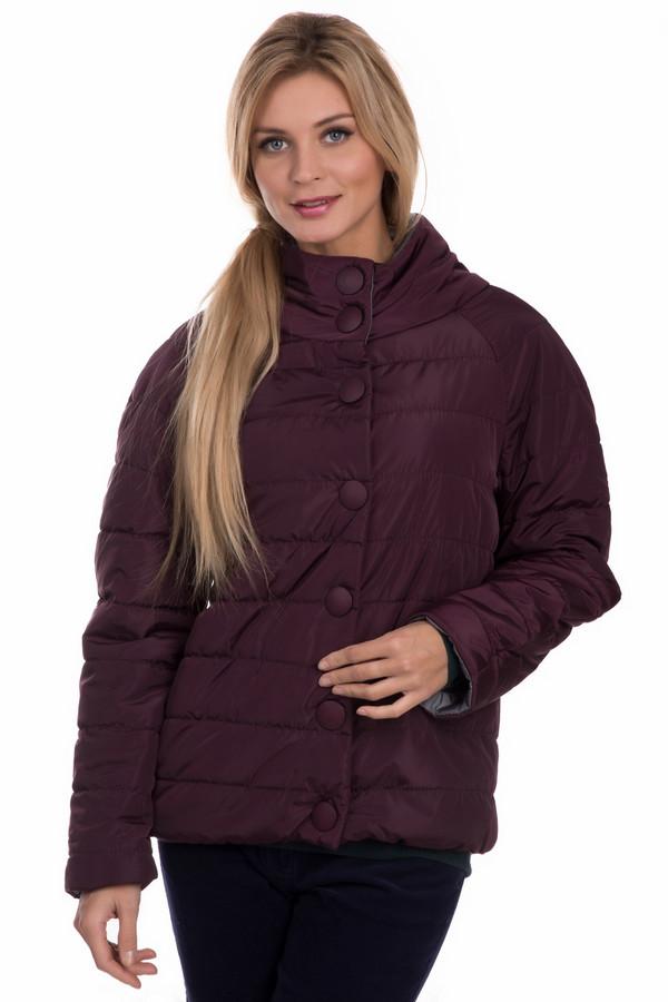 Верхняя одежда Sai-KuВерхняя одежда<br>Верхняя одежда Sai-Ku – бордовая куртка. В этом изделии вы будете выглядеть на все сто процентов, и неудивительно: такой цвет смотрится великолепно вне зависимости от стиля, который вы предпочитаете. Комфортная в носке курточка сшита из полиэстера. Рекомендуем ее для дефиле в демисезонный период в самых разных ансамблях.<br><br>Размер RU: 46<br>Пол: Женский<br>Возраст: Взрослый<br>Материал: полиэстер 100%, Состав_подкладка полиэстер 100%<br>Цвет: Бордовый