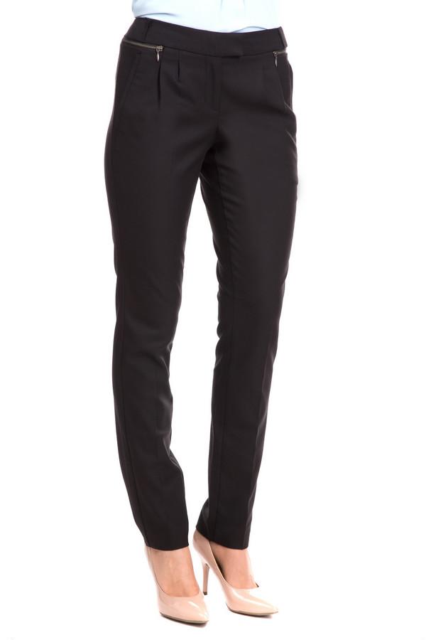 Брюки s.OliverБрюки s.Oliver женские. Черные брюки всегда стройнят! Прямой крой, узкие штанины и легкие складочки – вот формула успеха этой чудесной модели. Носить их Вам захочется как можно чаще. Вытачки спереди, горизонтальные прорезные карманы сзади и декоративные молнии по бокам – что еще нужно, чтобы Вы выглядели стильно и совершенно безупречно?<br><br>Размер RU: 46<br>Пол: Женский<br>Возраст: Взрослый<br>Материал: эластан 3%, полиэстер 65%, вискоза 32%<br>Цвет: Чёрный