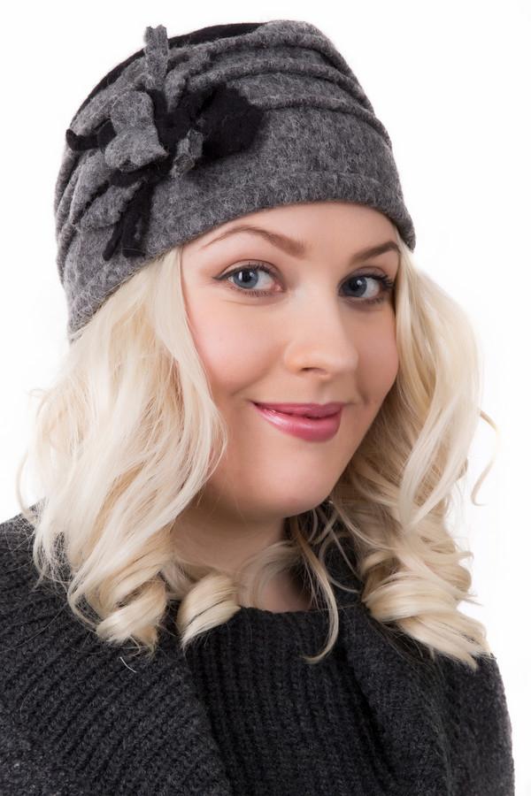 Шляпа WegenerШляпы<br>Шляпа Wegener серо-черная. Оригинальная и очень милая, эта шляпка как будто бы сваляна из шерсти вручную. Объемный декор и декоративные швы по кругу этого головного убора выглядят просто шикарно. Советуем подобрать черный или серый шарфик в тон и носить эту вещь в холодную погоду. Состав: шерсть, полиэстер.<br><br>Размер RU: один размер<br>Пол: Женский<br>Возраст: Взрослый<br>Материал: шерсть 80%, полиэстер 20%<br>Цвет: Чёрный
