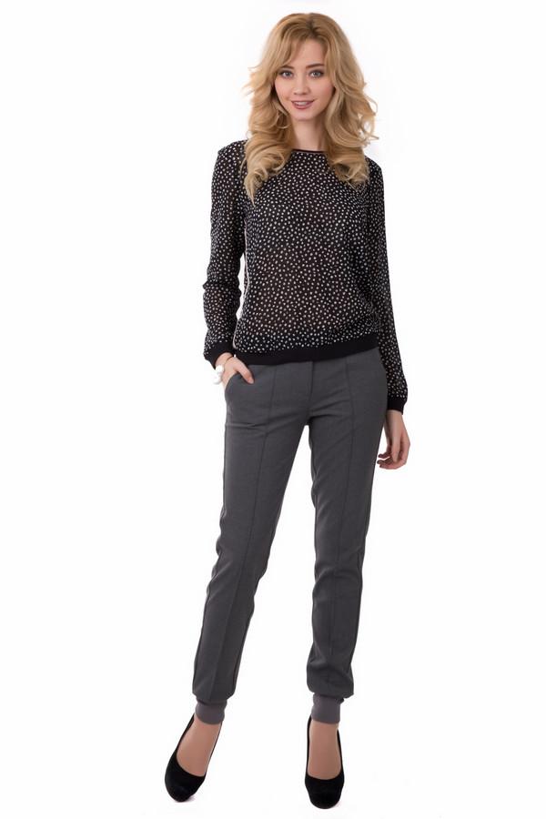 Брюки s.OliverБрюки<br>Брюки s.Oliver женские серые. Оригинальные красивые брюки для модных современных женщин. Брюки смотрятся очень стильно. Облегающий силуэт, манжеты, прорезные карманчики придают модели неординарность. Такая вещь обязательно должна быть в вашем гардеробе. Состав: эластан, вискоза, полиэстер.<br><br>Размер RU: 40(L32)<br>Пол: Женский<br>Возраст: Взрослый<br>Материал: эластан 5%, вискоза 33%, полиэстер 62%, Состав_подкладка полиэстер 100%<br>Цвет: Серый